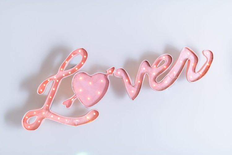 goodbye to lover and welcome to folklore, lover sign